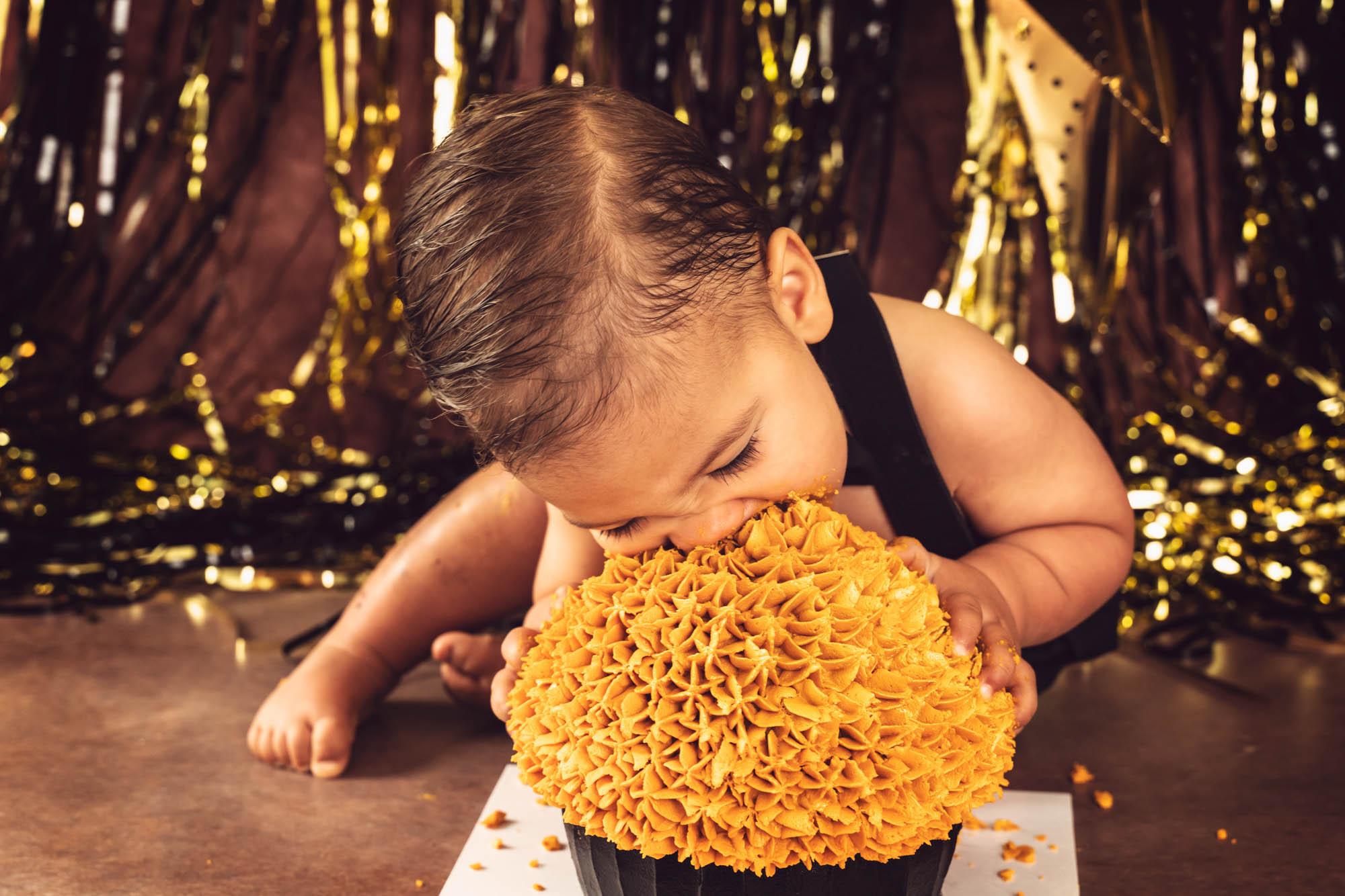 Black and Gold Cake Smash Brisbane