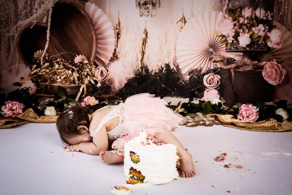 , Paige in Studio Cake Smash, Brisbane Birth Photography