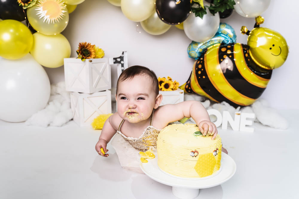 , Charlotte's Bumble Bee Cake Smash – Desire to Inspire photography, Brisbane Birth Photography